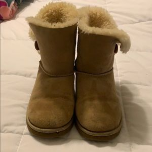 Sand bailey button uggs